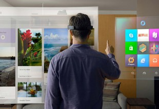 Microsoft Hololens. Spreading Holograms in the world